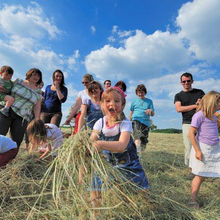 photographe-lifestyle-groupe-campagne-promotion-champetre-boheme-rural